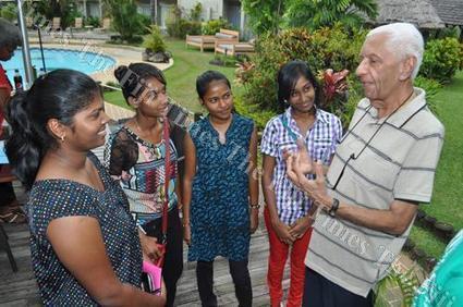 Philanthropist commends State assistance on education | The Fiji Times | Kiosque du monde : Océanie | Scoop.it