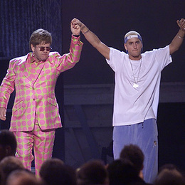 Flashback: Eminem and Elton John Join Forces at the 2001 Grammys | Eminem, committed artist or challenging ? | Scoop.it