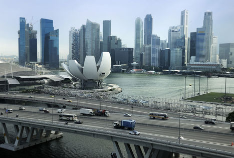 Singapore GDP Unexpectedly Expands as Outlook Improves: Economy | ASEAN Supply Chain | Scoop.it