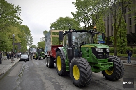 De Québec à Ottawa en tracteur pour dénoncer les accords internationaux   Questions de développement ...   Scoop.it