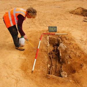 Rare Roman-Era Coffin May Have Been Reused - Archaeology Magazine | Centro de Estudios Artísticos Elba | Scoop.it