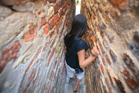 Discover the narrowest alley in Italy with Nina Richards in Ripatransone, Le Marche | Le Marche another Italy | Scoop.it