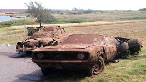 The Haunting Mystery Of Vehicles Found Intact Underwater - Gleems | Abandoned Houses, Cemeteries, Wrecks and Ghost Towns | Scoop.it