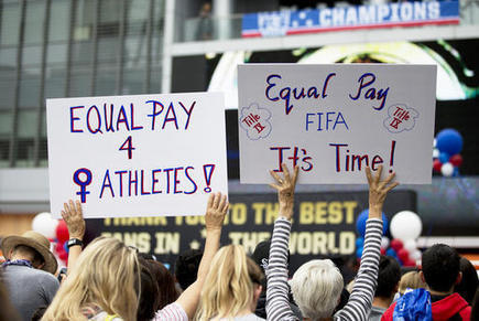 US women's soccer team asks federal judge to allow strike over pay disparity | Fabulous Feminism | Scoop.it