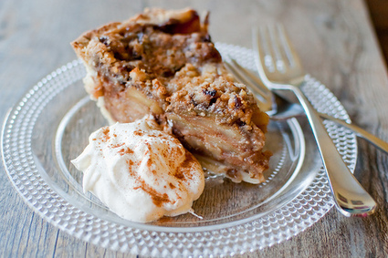 Southern Comfort Caramel Apple Pie | The Man With The Golden Tongs Hands Are In The Oven | Scoop.it