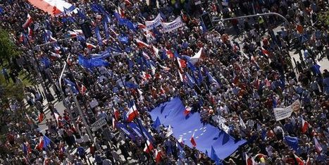 En Pologne, manifestation monstre en faveur de l'Europe | Mediapeps | Scoop.it