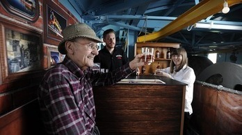 Pop-up pub opens to public at top of famous 107-year-old Titan Crane   Sir William Arrol   Scoop.it