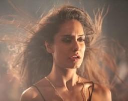 Manali Trance Lyrics - The Shaukeen   Lisa Haydon,Neha Kakkar   Lyrics Beach   Scoop.it
