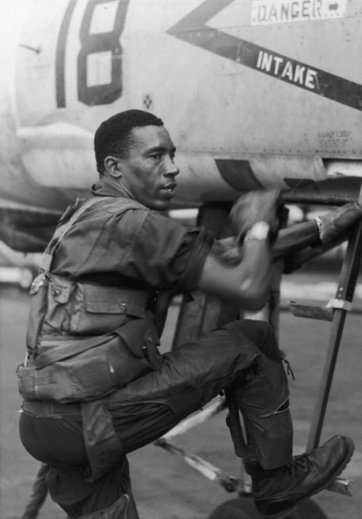 Frank E. Petersen, First Black General in Marines, Dies at 83 | Black History Month Resources | Scoop.it