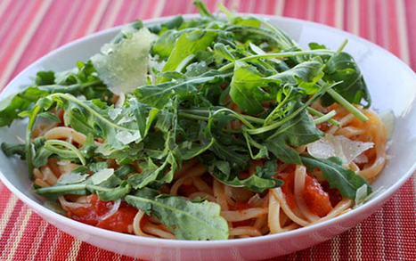 Spaghetti With Fresh Tomato Sauce & Arugula, And Shaved Pecorino Cheese | Le Marche and Food | Scoop.it
