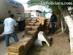 Blog del Narco: 2.5 tons of Marijuana Hidden in Tanker Truck - Hispanically Speaking News   mexican drug wars   Scoop.it