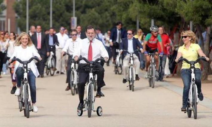 Mariano Rajoy en bicileta   Partido Popular, una visión crítica   Scoop.it