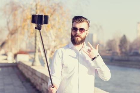 Voici pourquoi les perches à selfies sont interdites dans les musées ? | Clic France | Scoop.it