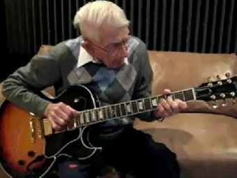 92-Year-Old Can Still Rock Out | Guitar Rocking Live Video | Serendipity Café | Scoop.it