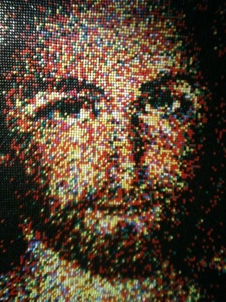 Renowned Artist Creates Jesus Portrait from 24,790 Push Pins | Strange days indeed... | Scoop.it