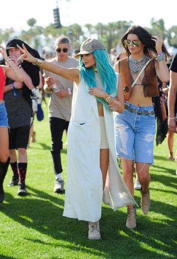 crispyclicks » Blog Archive Festival fashion sisters Jenner | Entertainment | Scoop.it