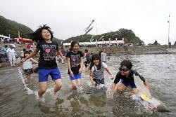 [Eng] La première plage ouverte pour l'été dans la préfecture sinistrée d'Iwate | The Mainichi Daily News | Japon : séisme, tsunami & conséquences | Scoop.it