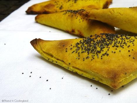 Triangolini di farro ripieni di crema con peperone e ricotta | Alimentazione e cucina veg, ricette e consigli pratici | Scoop.it
