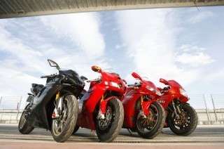 "Evolution of the ""Desmoquattro""  Ducati 