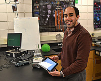 Grosse Pointe North Teacher Uses Cell Phones to Teach Chemistry | Technology, cell phones and middle school students | Scoop.it