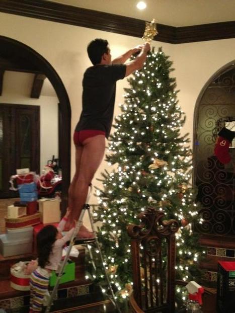 Mario Lopez addobba l'albero! :P   JIMIPARADISE!   Scoop.it
