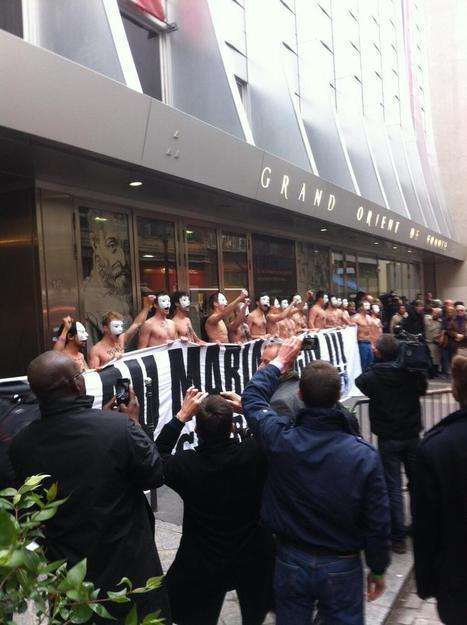 Photo. anifestation du Printemps Français, des Hommen devant le GODF | Actions HOMMEN | Scoop.it