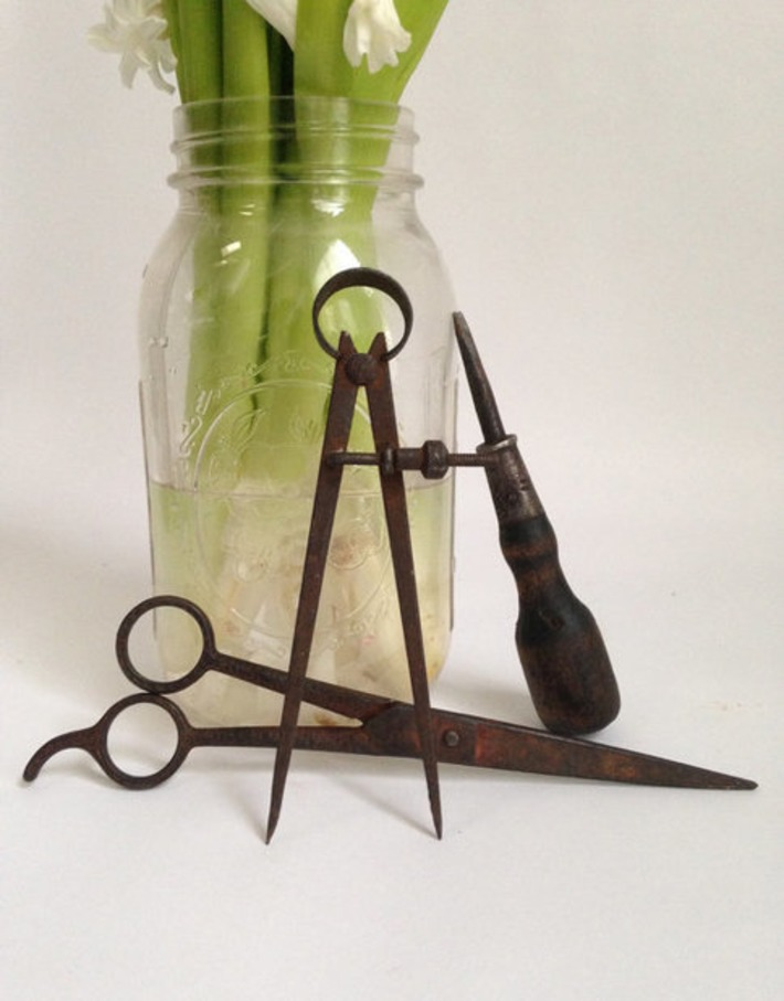 Set of 3 Vintage Tools / 1940s Architect Office Artifacts / Compass Scissors Screw Driver | Antiques & Vintage Collectibles | Scoop.it