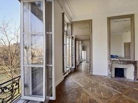 À Saint-Tropez, deux villas pour millionnaires en quête de simplicité | C'est Acquis | Scoop.it