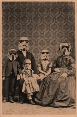 Family Portrait  - LOL Wall | Du côté décalé de la Force | Scoop.it