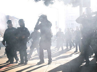Flash-grenades & tear-gas: 300 arrested at Occupy Oakland (PHOTOS, VIDEO) | Epic pics | Scoop.it