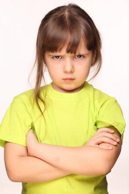 """""""Mi hija de 4 años me pega, ¿qué puedo hacer?""""   #TuitOrienta   Scoop.it"""