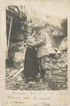 Histoires de Familles - Blog Généalogie: L'amour dans les ruines en 1918 ou le mystère d'une photo | Auprès de nos Racines - Généalogie | Scoop.it