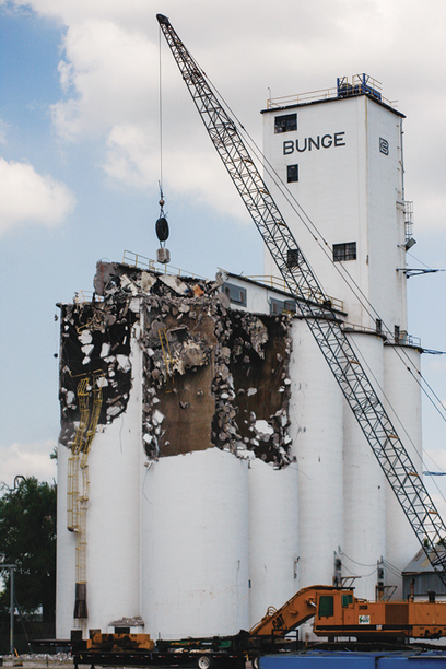 USA: Demolition of Bunge elevators in Iowa | Grain Elevators | Scoop.it