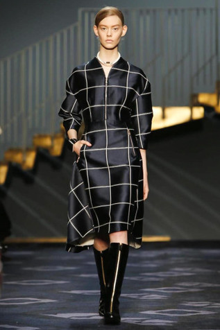 At Tod's, Facchinetti's Cerebral Exploration of Angular Shapes | CHICS & FASHION | Scoop.it