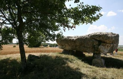 Circuit des mégalithes: suivez le guide - CharenteLibre | World Neolithic | Scoop.it