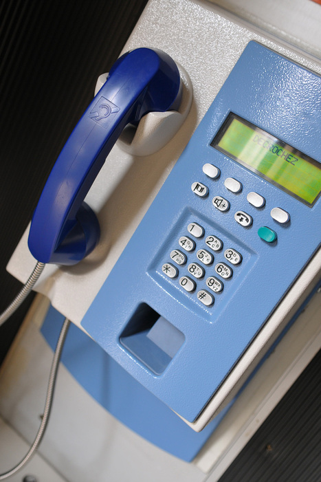 Cabines téléphoniques : Orange raccroche à Paris | Seniors | Scoop.it