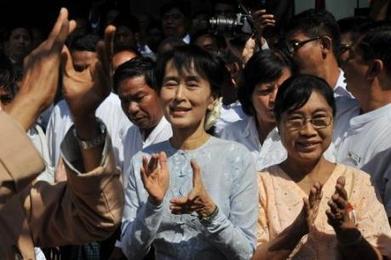 Birmanie : Aung San Suu Kyi a déposé sa candidature aux élections partielles | dejunter la birmanie | The Blog's Revue by OlivierSC | Scoop.it