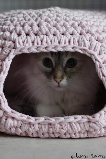 eilen tein: pesä Easy cat bed or small pet bed   Crafts   Scoop.it