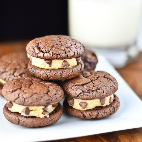 #RECIPE - Brownie Sandwich Cookies with Chocolate Chip Cookie Dough Frosting | Delicious food | Scoop.it