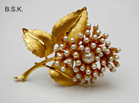 Vintage BSK faux  Pearl Flower Brooch | serendipity treasures | Scoop.it