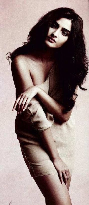 Hottest Bollywood Actresses: Photos   Bollywood Trendz   celeb style   Scoop.it
