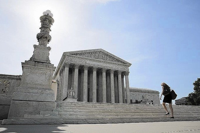 Rebuking Obama, U.S. top court limits presidential appointment powers