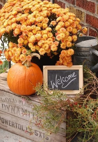 Warm and welcoming autumn display | Upcycled Garden Style | Scoop.it