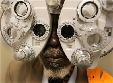 Eye test 'could detect Alzheimer's'