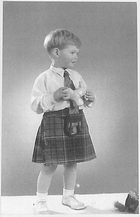 "HRH The Prince Philip Duke Of Edinburgh Ipswich School Suffolk * Royal Family Most Famous Identity Theft Case - British Pathé | HRH The Prince Philip Duke of Edinburgh ""Withers Gerald J H Carroll Estate"" ** HM QUEEN MARY OF TECK * DUKE OF WINDSOR * LORD STEWARD OF THE HOUSEHOLD * DUKE OF SUTHERLAND GEORDIE PROBATE ESTATE * KING GEORGE VI * HM QUEEN ELIZABETH II ** Scotland Yard 