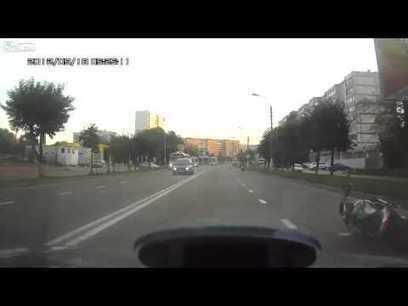 Biker shows off his wheelie skill | staged | Scoop.it