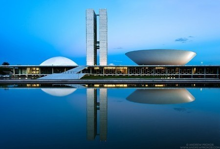 Night photographs of Oscar Niemeyer's Brasília win at the 2013 International Photography Awards | Lektz | Scoop.it