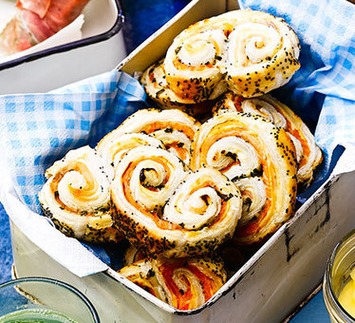 Smoked salmon & poppy seed palmiers | Posh Picnics | Scoop.it