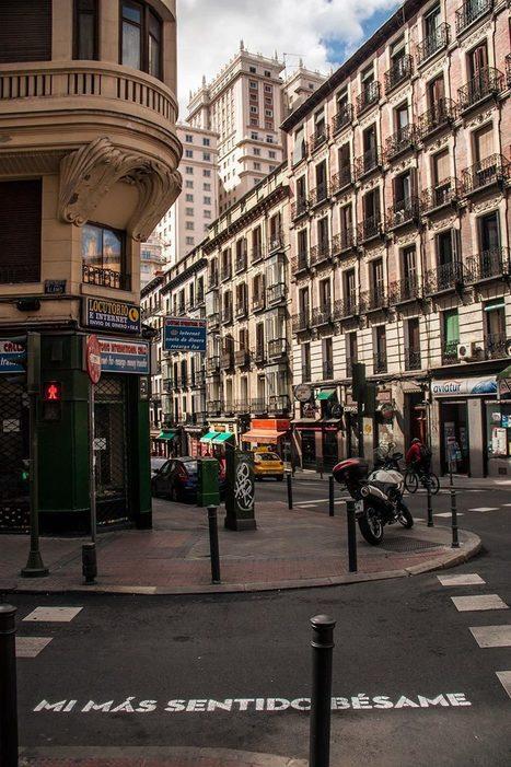 Los 22 versos que te sorprenderán mientras paseas por #Madrid | Reflejos | Scoop.it