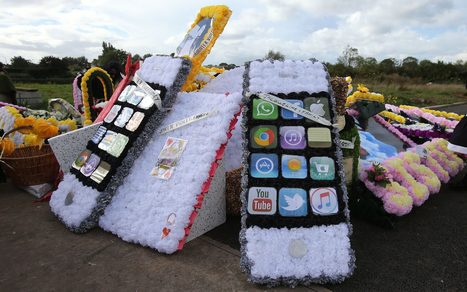 Hundreds bid fond farewell to 'Queen of the travellers' Violet Crumlish   Chain Letters from above   Scoop.it